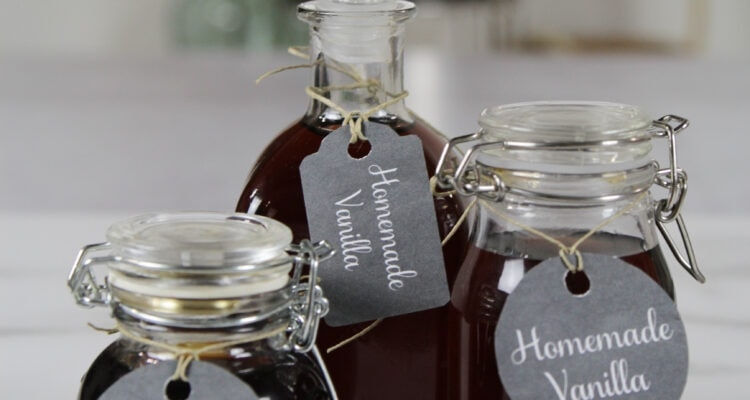 Homemade vanilla made from scratch packaged to give as gifts